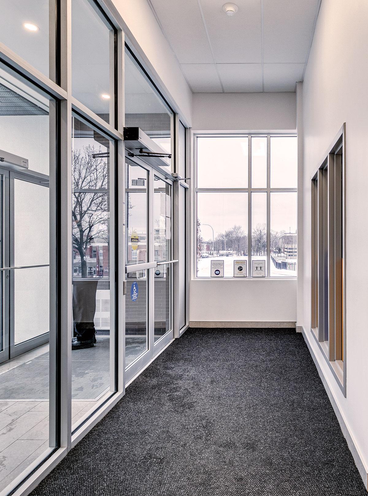 hall du complexe d'appartement à louer Joia secteur maurice duplessis